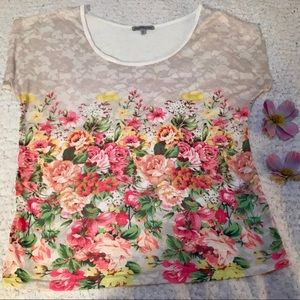 CHARLOTTE RUSSE floral shirt with lace print